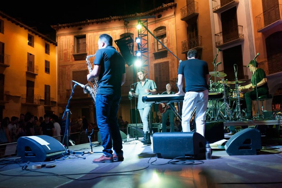 The Dazz Deva Soul Band (España, Aragón). 'The Dazz Deva Soul Band show'. Viernes 3 de julio. Plaza Mayor. NOCTE 2015  Foto de Eduardo Lecina.